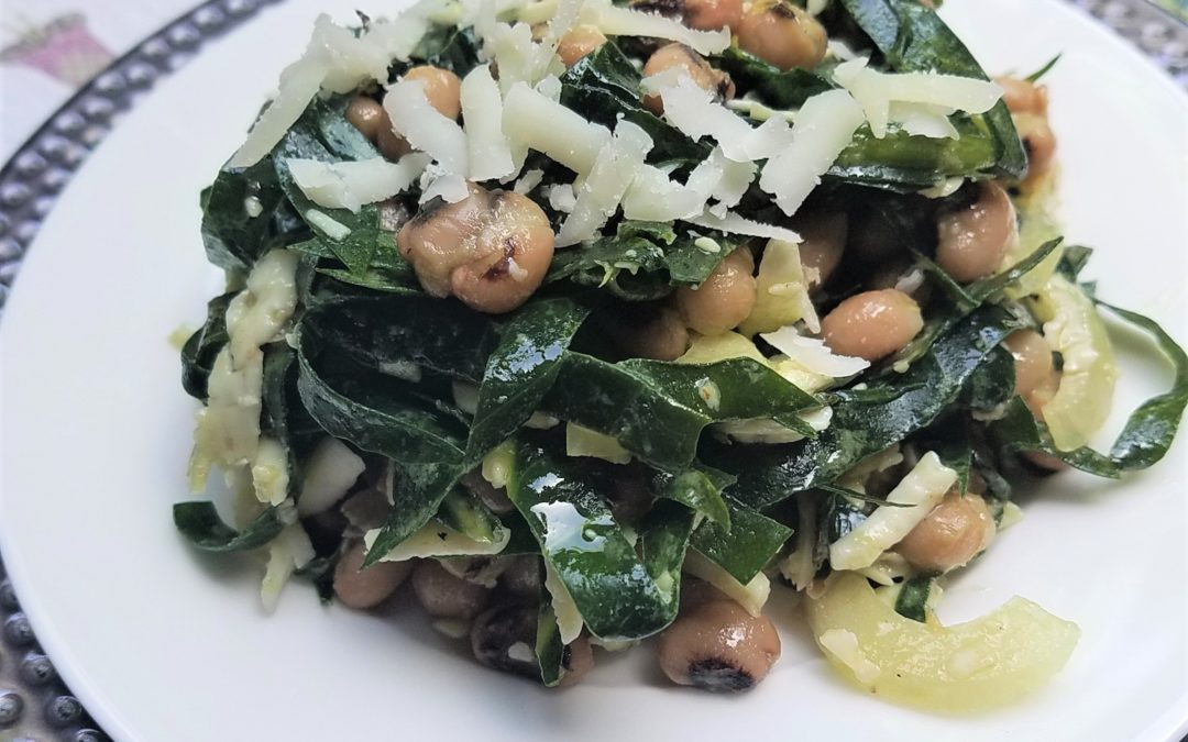 Collard Greens Salad with Black-Eyed Peas